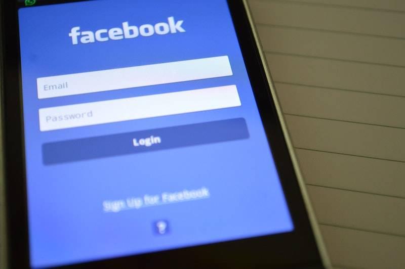 なぜ名刺交換しただけでFacebookで友達になりたがるのか?