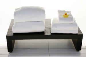 2014-11-Life-of-Pix-free-stock-photos-towel-hotel-bath-duck-leeroy
