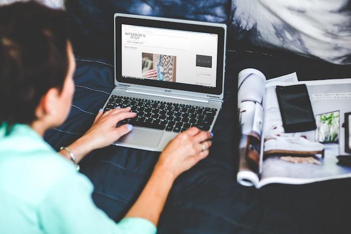 英語学習のiKnowが運営するブログが「オウンドメディア構築」の参考になる。