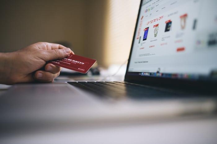 WEBサイトで物を売るときにクレジットカード決済を導入できる決済サービスまとめ