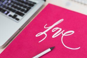 中小零細企業の企業ブログのブログ記事を外部に書かせるぐらいなら企業ブログを辞めた方がいいと思う。