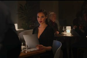 Wixの最新CMにガル・ガドットが登場!アクション映画のようになってて面白い!