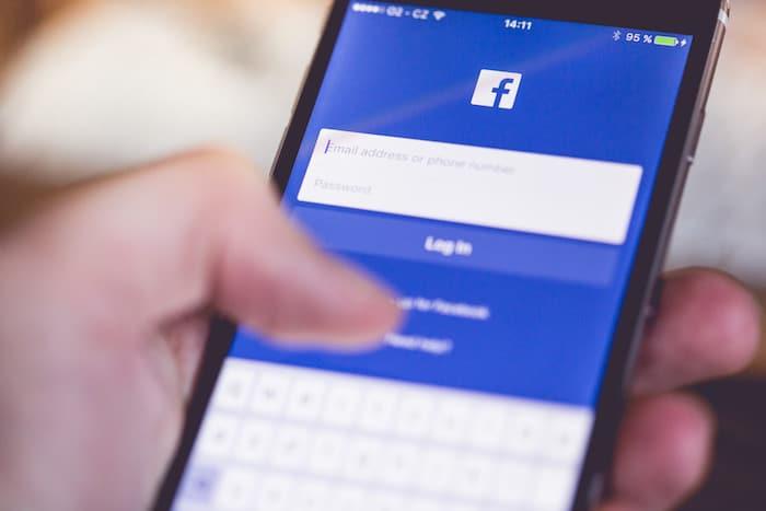 個人アカウント必要なし!Facebookページでグループを作れる「グループ機能」